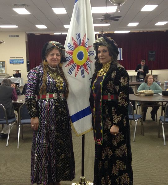 File:Chaldean Fashion Models with Chaldean Flag.jpg